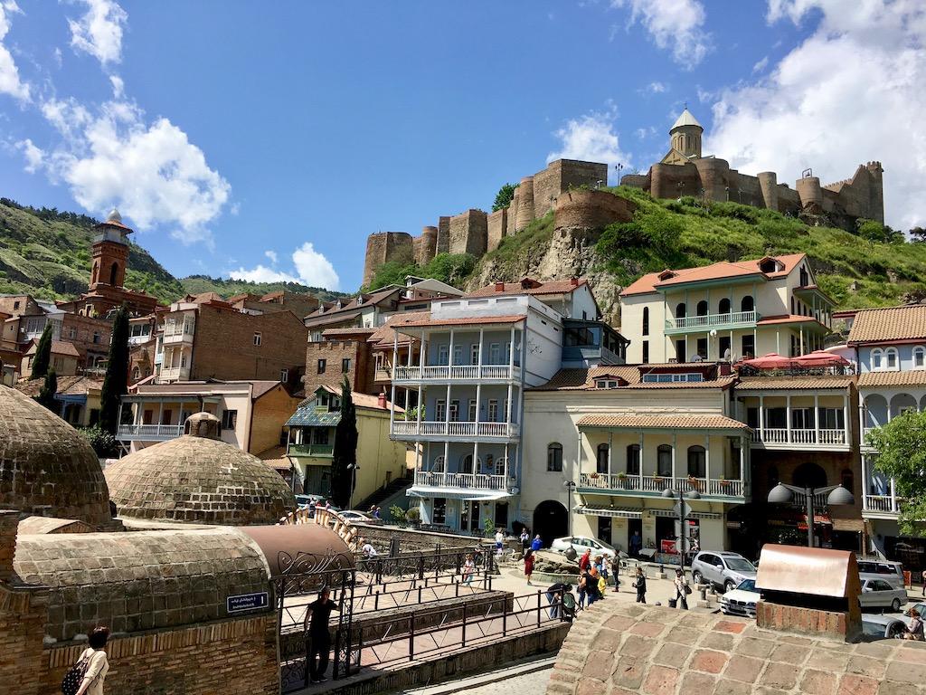 Das Bäderviertel und die Festung in der Altstadt von Tiflis - Kartli