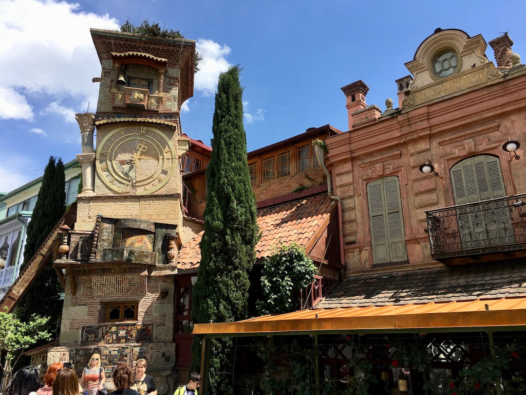 Marionettentheater in der Altstadt von Tiflis - Kartli - quer