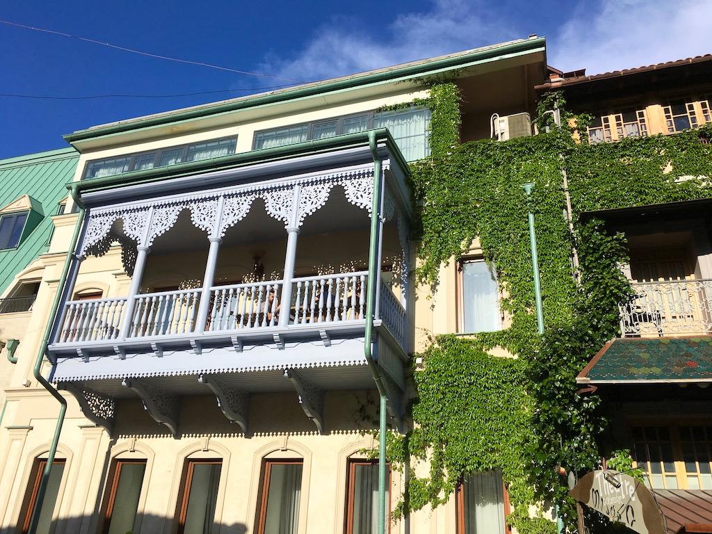 Tiflis/Tbilisi – faszinierender Architekturmix und kulinarisches Paradies