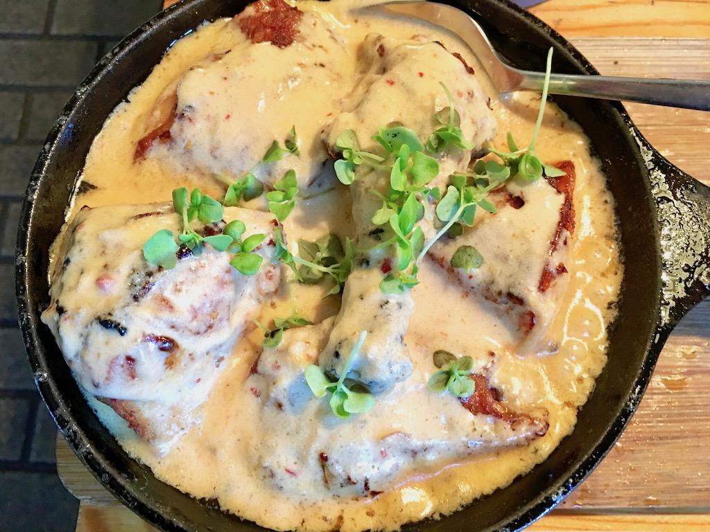 Shkmeruli - Hühnchen in einer Knoblauch-Milch-Sauce