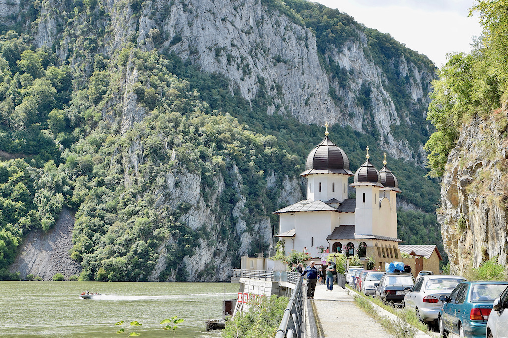 Rumänien - Reise - Urlaub - Osteuropa - Architektur - Stadtleben - Wandern - Karpaten - Kirchenburgen - Sehenswürdigkeiten - Individualreise - Berge - Highlights - Donaudelta - Sightseeing - Natur - Kultur - Dracula - Transsylvanien