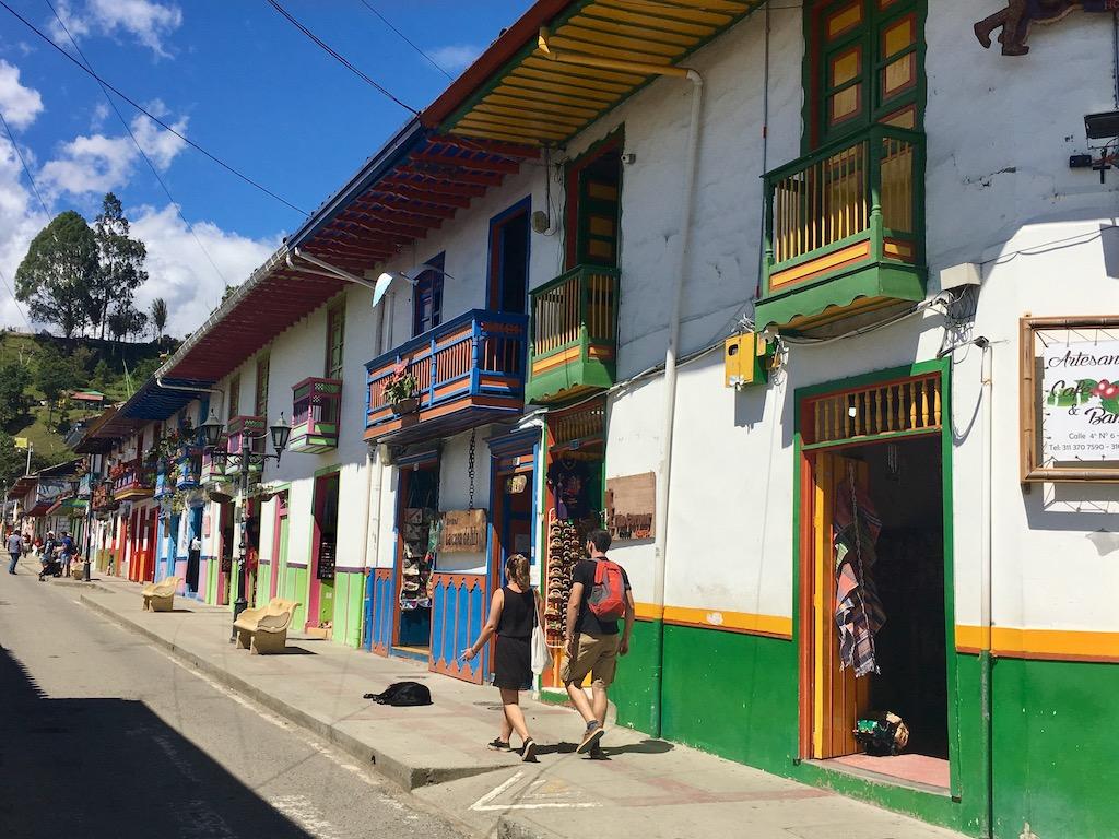 Reise - Urlaub - Restaurants - Natur - Urlaub in Kolumbien - Individualreise - Sehenswürdigkeiten - Urlaub in Südamerika - Landschaft - Sightseeing - Wandern - Aktivurlaub - Hochland - Kultur - Städte - Küste - Rundreise - Karibik - Altstadt