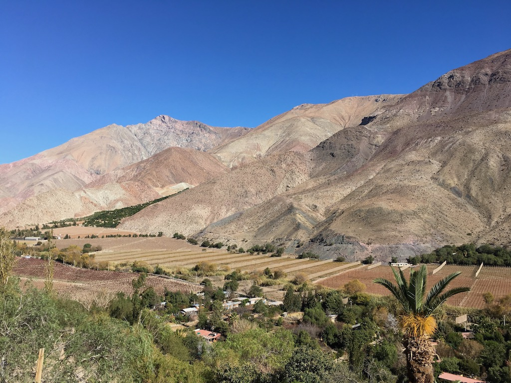 Reise - Urlaub - Restaurants - Natur - Urlaub in Chile - Urlaub in der Atacama - Individualreise - Sehenswürdigkeiten - Urlaub in Südamerika - Landschaft - Sightseeing - Wandern - Aktivurlaub - Vulkane - Wüste - Hochland - Altiplano - Kultur - Städte - Küste - Rundreise - Selbstfahrer