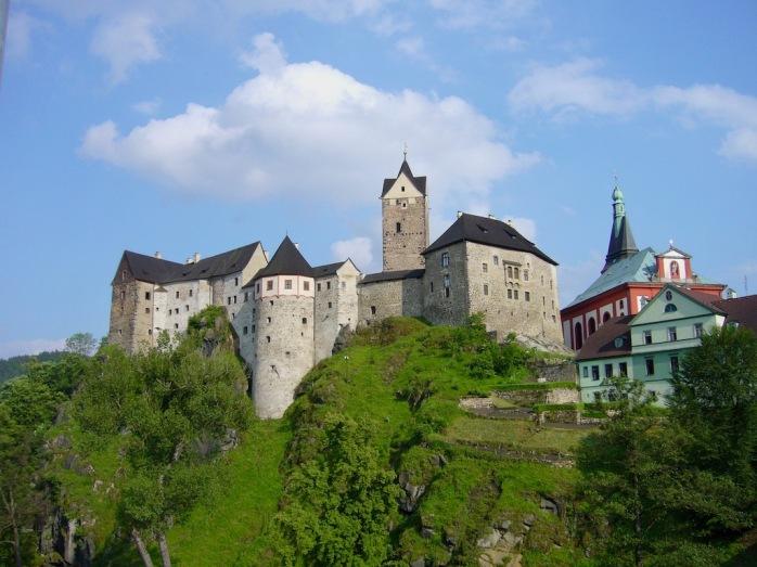 Burg mit Kirche