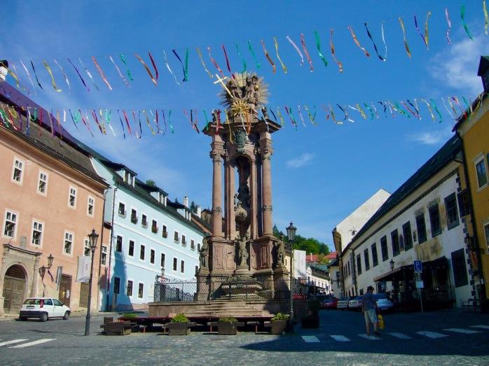 Platz mit Dreifaltigkeitssäule, Banská Štiavnica