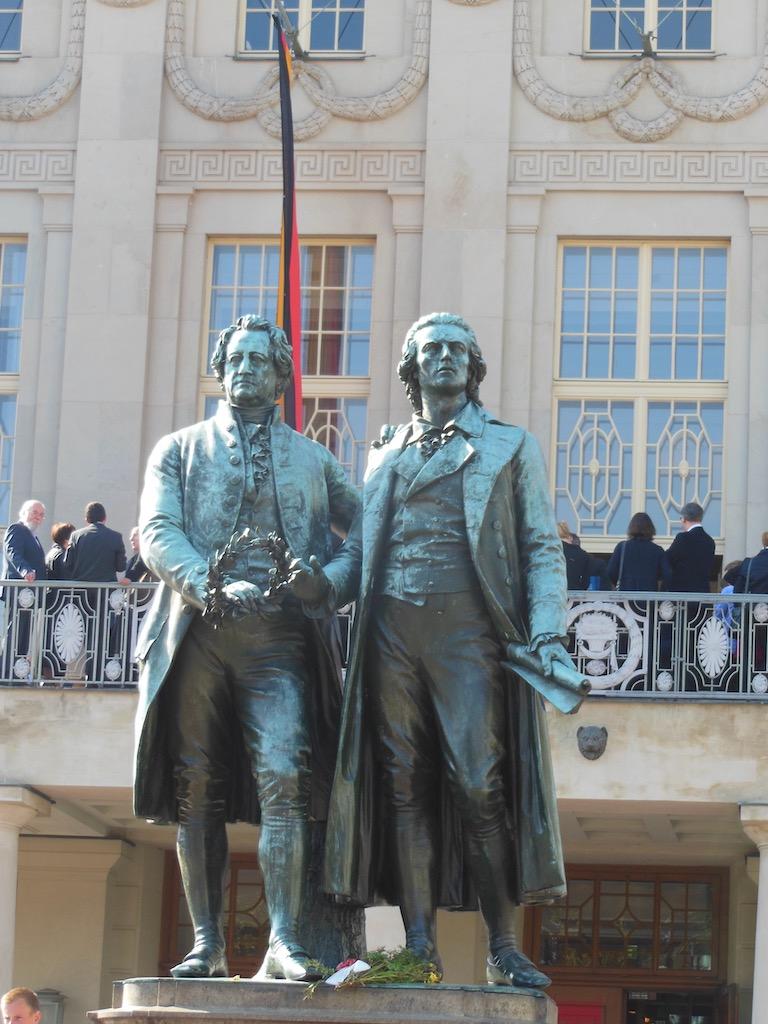 Denkmal mit Goethe und Schiller