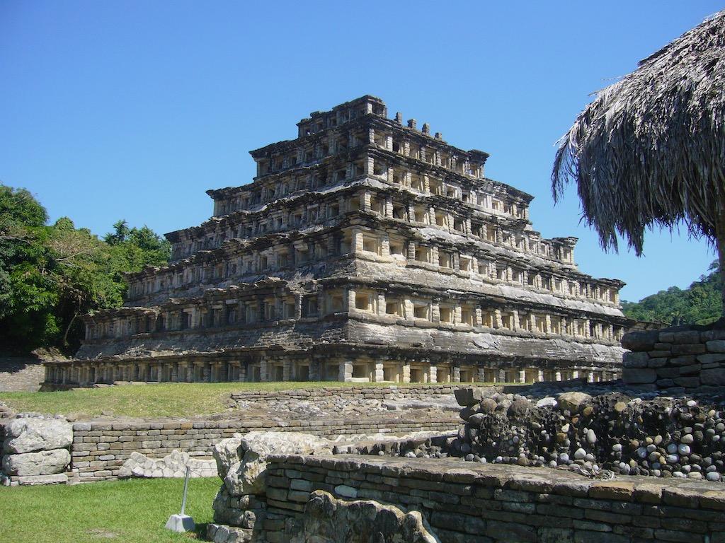 Nischenpyramide